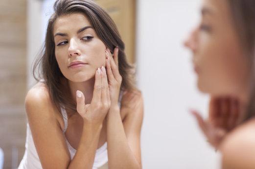 Vichy te ensina a corrigir imperfeições chatinhas da pele e tratar a acne