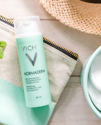 Normaderm Skin Corrector trata acne, atenua manchas e controla a oleosidade da pele