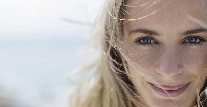 Linhas de expressão: como reduzir as linhas em torno dos lábios causadas pelo sorriso?