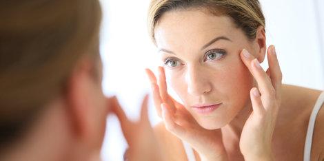 Sérum, gel, ou creme? Qual a textura de antissinais mais indicada para pele oleosa?